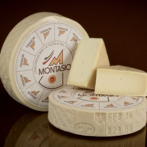 Montasio Dop (foto copyright Tamellini srl)