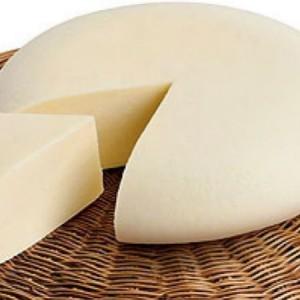 Lasciamo al formaggio il suo colore naturale, e anche il suo gusto