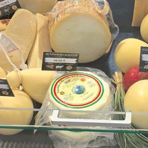 Il formaggio è eccellente se mangiato con passione