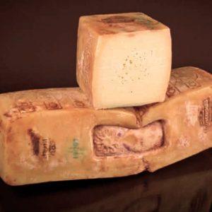 Ragusano, il formaggio che racchiude il profumo dei monti Iblei